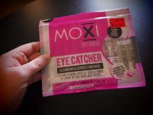 Moxi Eye Catcher Buds