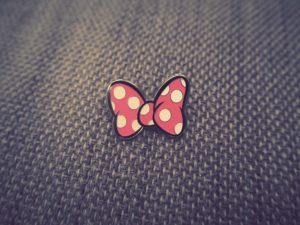 minnie bow pin
